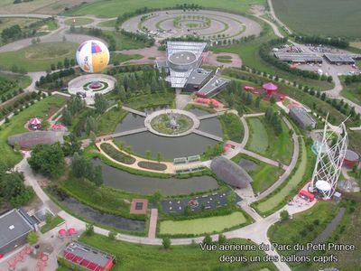 Vue aérienne du parc petit prince prise depuis un des ballons captifs